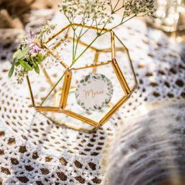 Boîte en verre et métal doré forme hexagonale