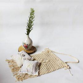 Coussin d'alliances lin et crochet
