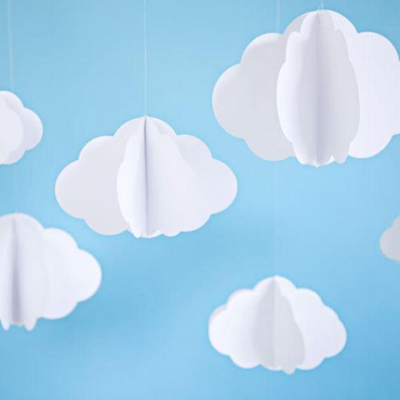 Suspension nuages en papier
