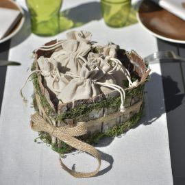 Panier coeur en bois et mousse végétale