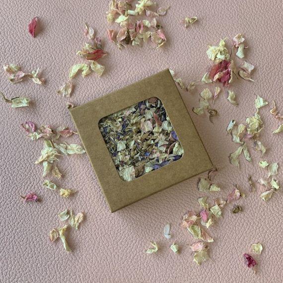 Confettis biodégradables de fleurs séchés rose et bleu - 2 poignées
