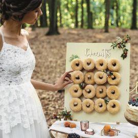 presentoir à donut en bois
