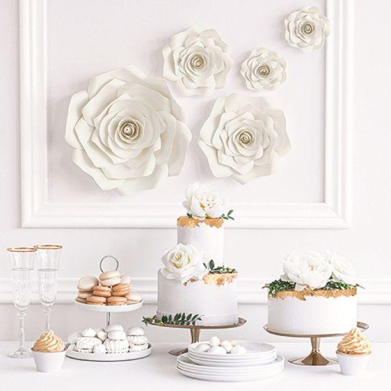 Fleurs géantes en papier blanche crème