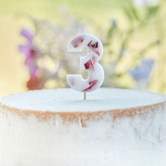 Bougies chiffres fleurs séchées