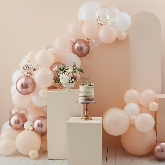 Arche de ballons rose gold, pêche et blanc