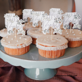 """Cupcake toppers baby shower """"hey baby"""""""