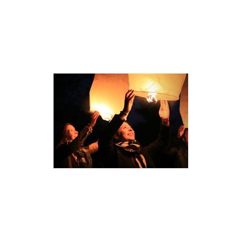 Lanterne volante blanche modern confetti - Fabriquer des lanternes volantes ...