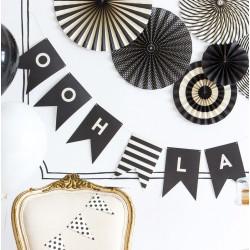 Guirlande lettres - 50 fanions blanc et noir
