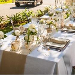 Mariage modern confetti - Chemin de table en toile de jute naturel ...