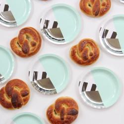 Petites assiettes design vert menthe (par 12)