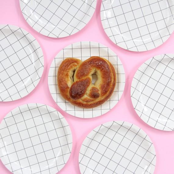 Petites assiettes petits carreaux (par 12)