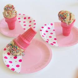 Petites assiettes design rose (par 12)