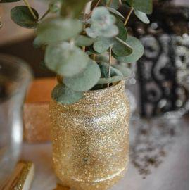 Vase avec paillettes or