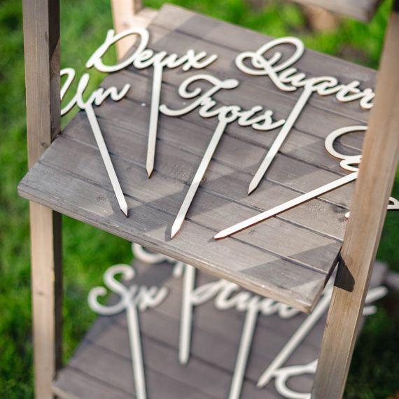 Marque tables en bois (1 à 10)